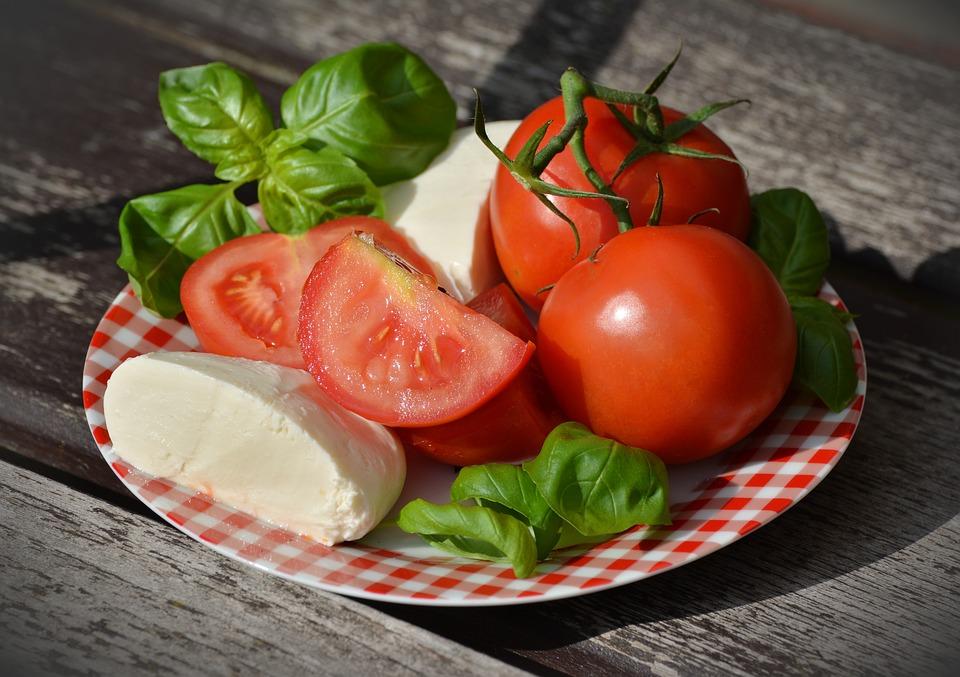 – Chickpea-Tomato Wraps